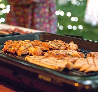 烧客自助炭火烤肉加盟