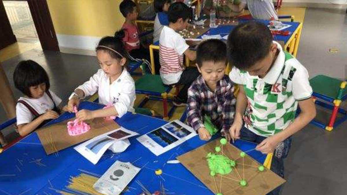 艾科思机器人教育加盟