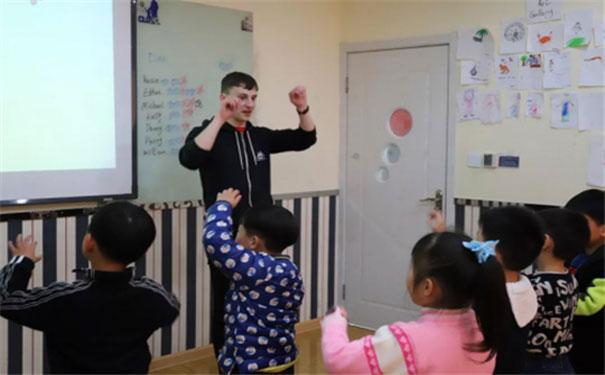 希朗少儿英语趣味主题课上线,让孩子爱上英语