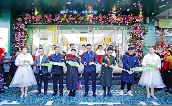 中国自主化妆品品牌植物医生太原柳巷三店齐开