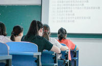 聚能教育锡林浩特校区:1对1辅导和班课怎么选?