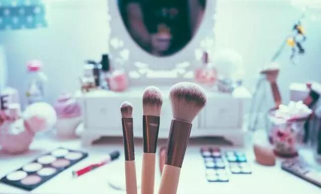 完美日記:國貨美妝迅速崛起的秘密!