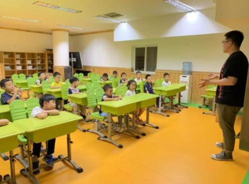 瓦力工廠為孩子普及少兒編程知識在行動