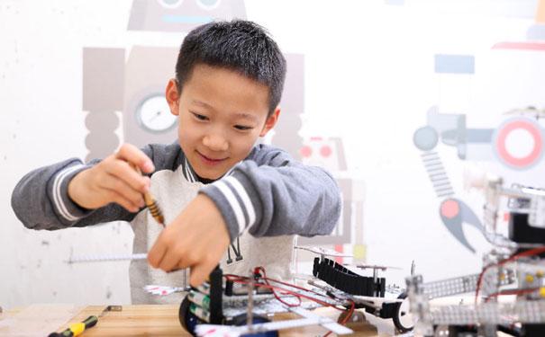 瓦力工厂少儿编程,塑造孩子的编程思维!