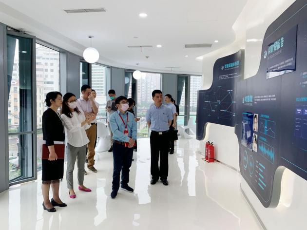 上海市虹口区委领导深度调研掌门教育 以党建促发展释放线上红色引擎