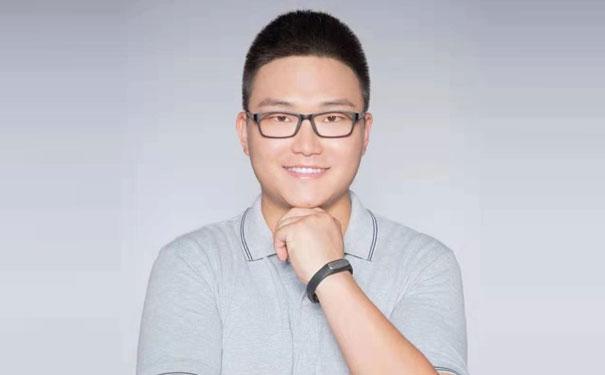 夸父炸串集团创始人袁泽陆:深耕夜宵市场,多维度应变小吃升级!