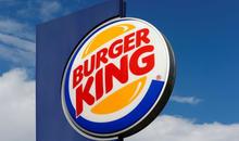 汉堡王:汉堡越大,汉堡越好,请用双手拿!