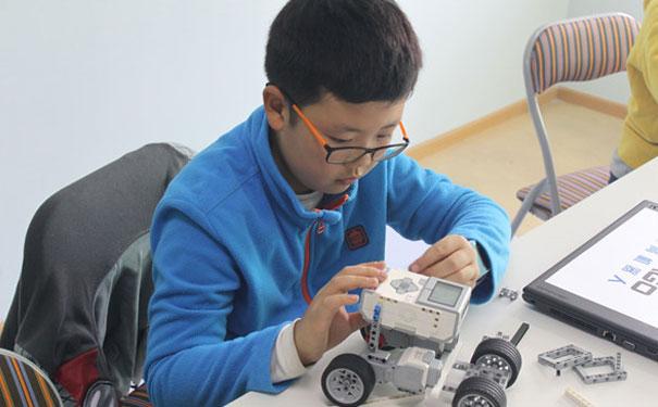 瓦力工厂少儿编程怎么样?挖掘孩子学习潜能!