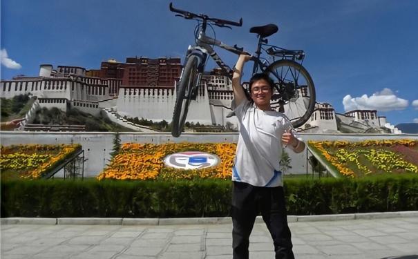 夸父炸串创始人袁泽陆:来自人民网2012中国大学生年度人物候选人的事迹