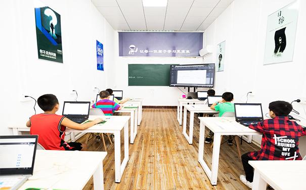 酷培人工智能教育:管家式帮扶,快速实现口碑财富双丰收