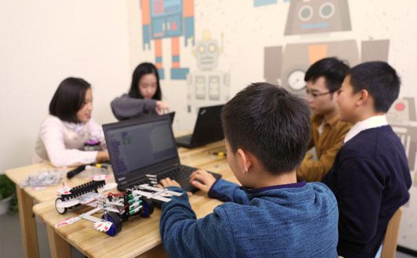 小孩子學少兒編程有用嗎?少兒編程可以讓孩子學到什么呢?