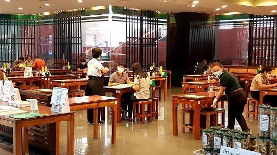 泰國5萬家餐廳因新冠疫情影響倒閉